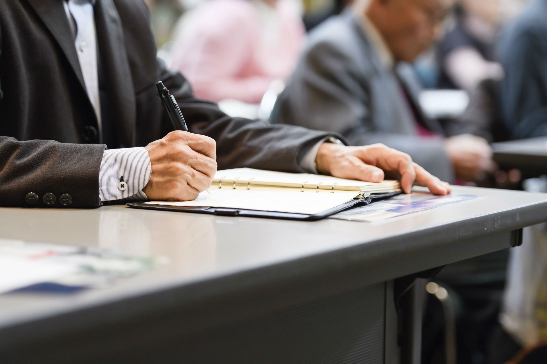 賠償問題はじめ、評議員・社員・理事・監事に誰がどう説明すべきか。